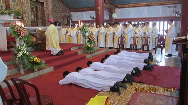 Truyền chức phó tế tại Phát Diệm ngày 18-10-2011